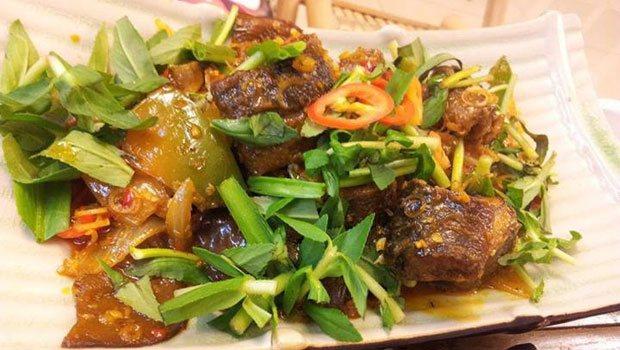 Cách làm món lươn xào sả ớt cay cay thơm nồng